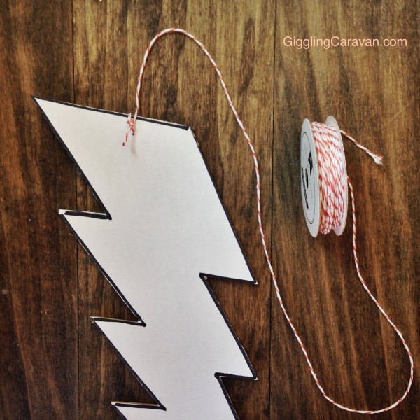DIY Lightning Bolt Mobile |www.GigglingCaravan.com